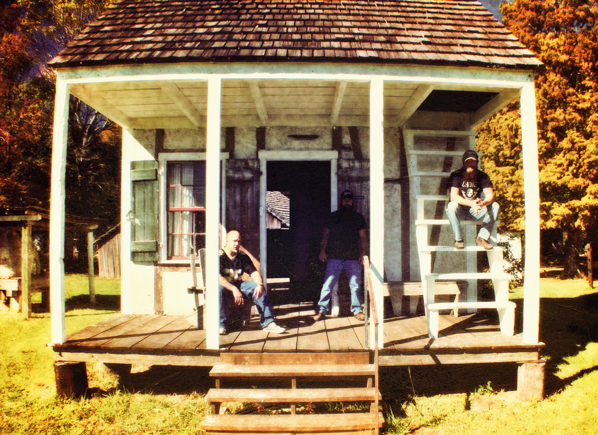 Band_in a shack